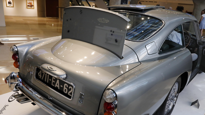 Aston Martin Makes 4m Special Edition Of James Bond S Iconic Db5 Cgtn