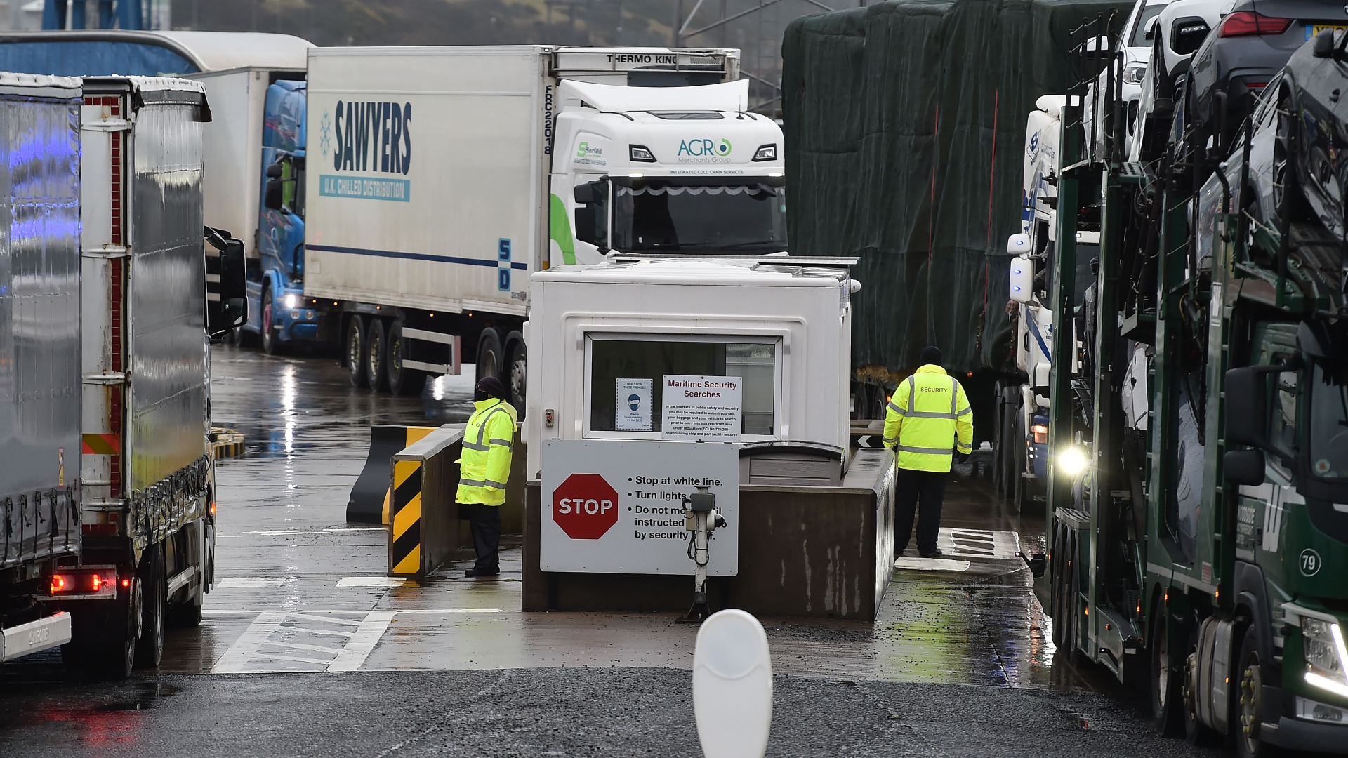 UK disputes hauliers' claims that exports dropped by 68% post-Brexit
