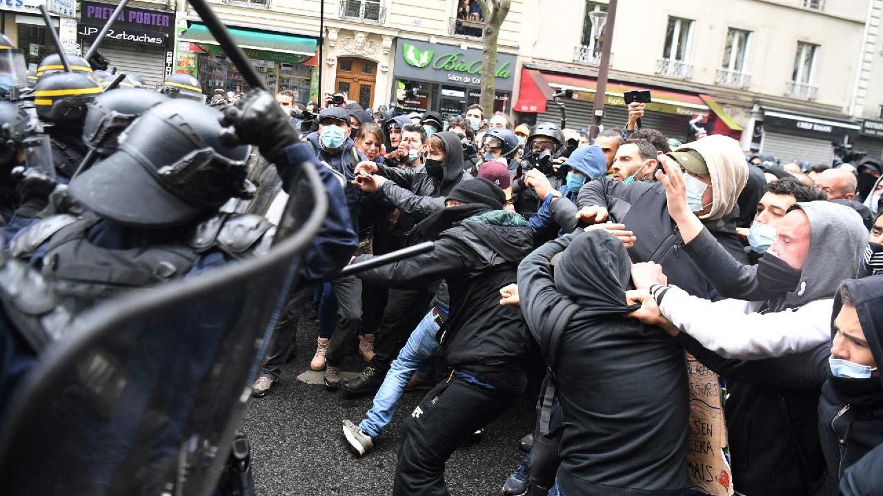 Photo of May Day sees thousands of protestors across Europe defy restrictions